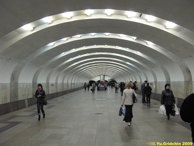 Line 9. Station 'Yuzhnaya'. ©Photo Yu.Gridchin, 2009