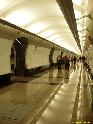Line 4. Station 'Mezhdunarodnaya'. ©Photo Yu.Gridchin, 2006