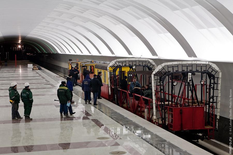 Line 3. Bounding car in station 'Mitino'. ©Photo A.Popov, Metro.Ru, 2009