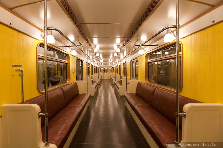 75-anniversary train. Interior. ©Photo Igor Vanin, 2010