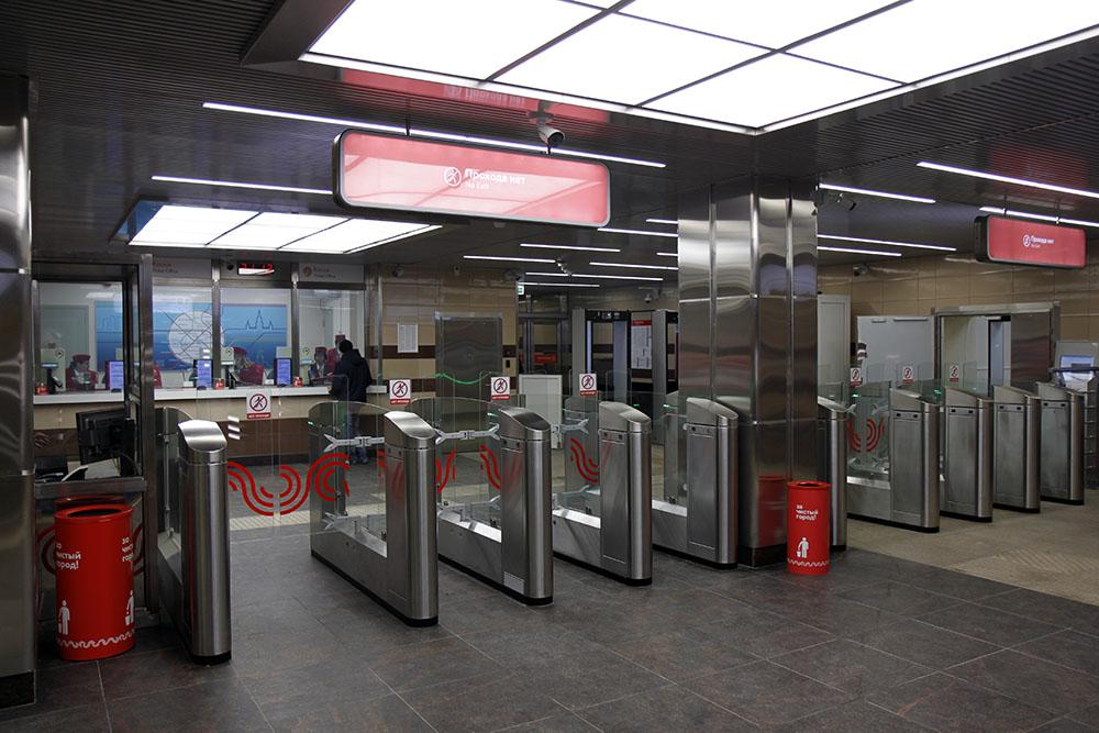 Line 2, Station 'Khovrino', vestibule © Yu.Gridchin, 2017